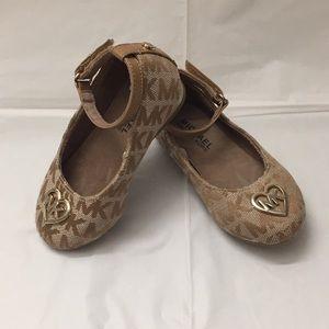 MK toddler shoe size 6